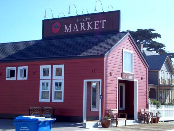 The Little Market in Cayucos.