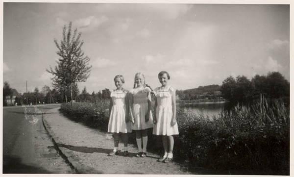 mom-cousin-karin-1957