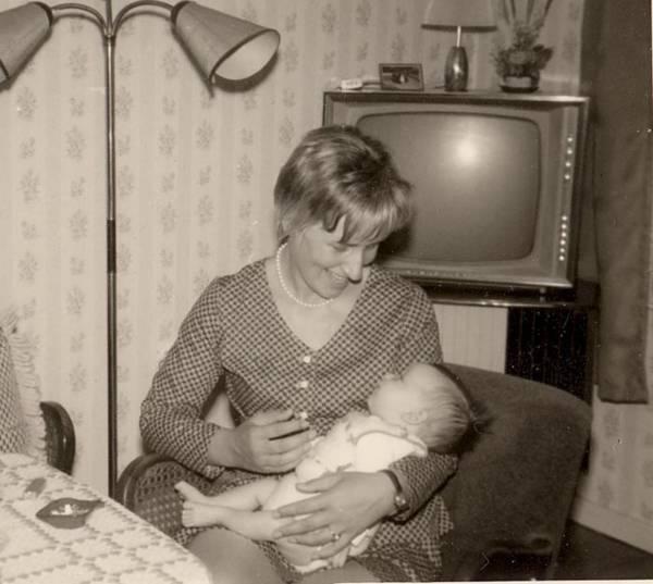 mom-nephew-1971