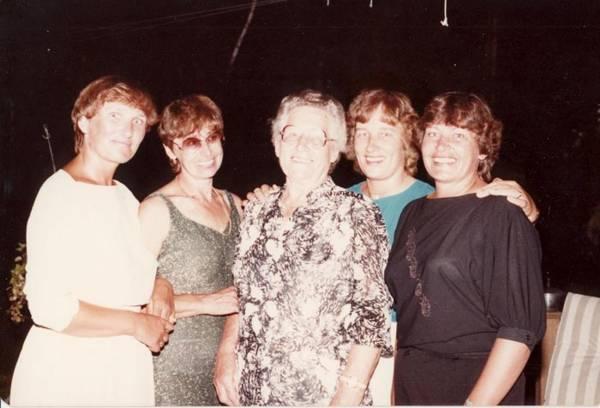 omi-sisters-1983