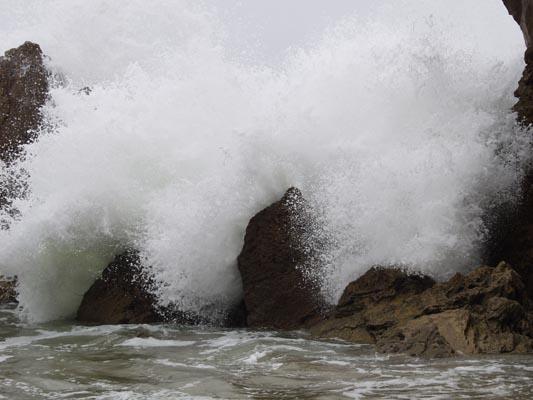 wave-rocks4.jpg